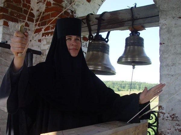 В монастырь - за благодатью или за искушениями