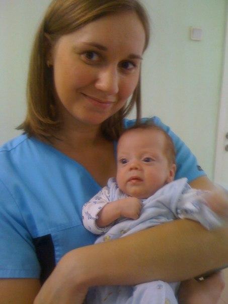 Аня с ребенком еще