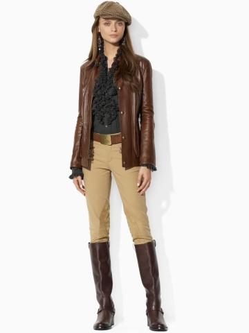 Да, осенью так и носила.  Корич.жокейские сапоги, эти брюки, белая водолазка и коричневая кожаная куртка.