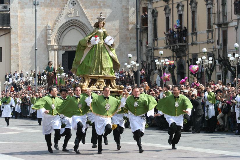 Страстная неделя итальянских карнавалов