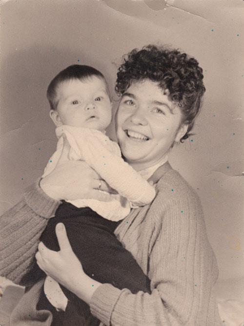 Ирина с новорожденной дочерью Еленой