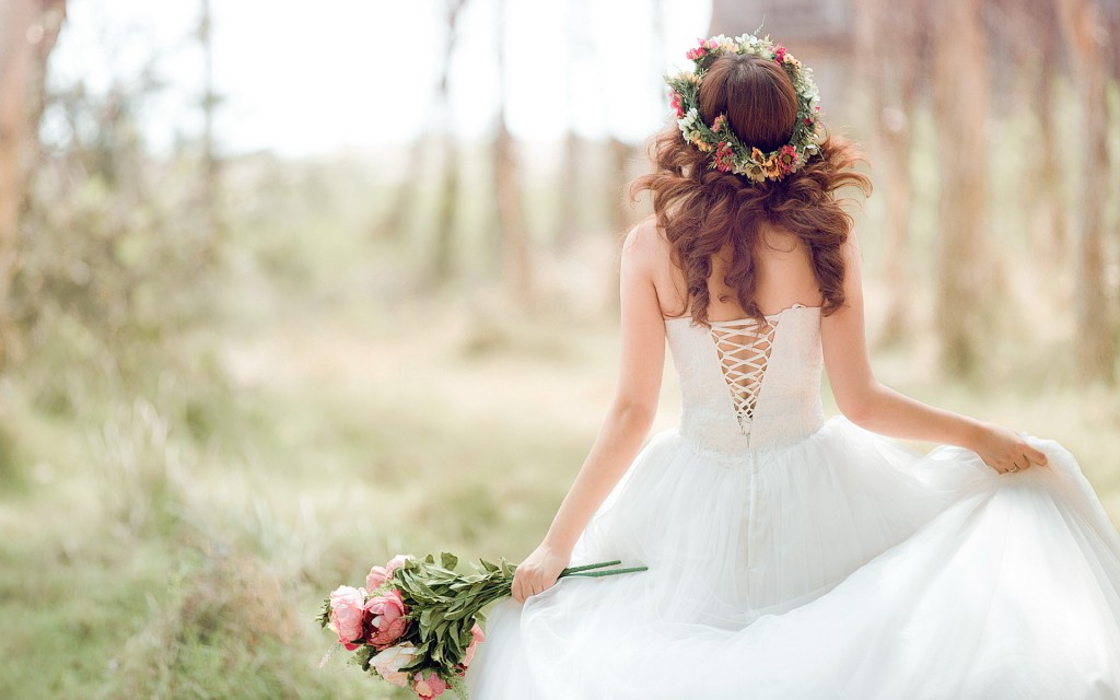 tmp_beautiful-bride-wide-wallpaper-339748-1024x640-1364164349