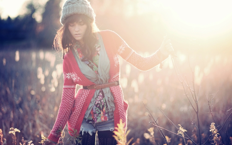 brunettes women winter season models fashion outdoors hats casey carlson 2560x1600 wallpaper_www.wallpaperhi.com_29