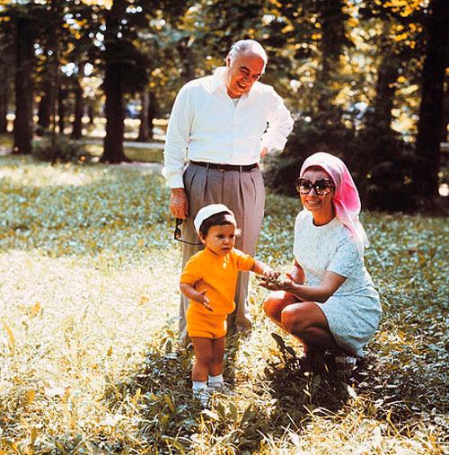 Карло Понти, Софи Лорен и их сын Карло Понти-младший, 1970 год