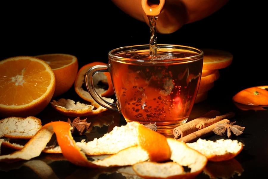 apelsinovyj-chaj-s-limonom-i-ezhevikoj