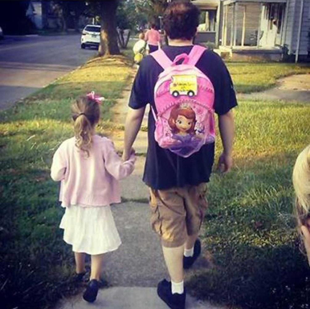 правильном подходе прикольные картинки отцов с дочками классическое упражнение для