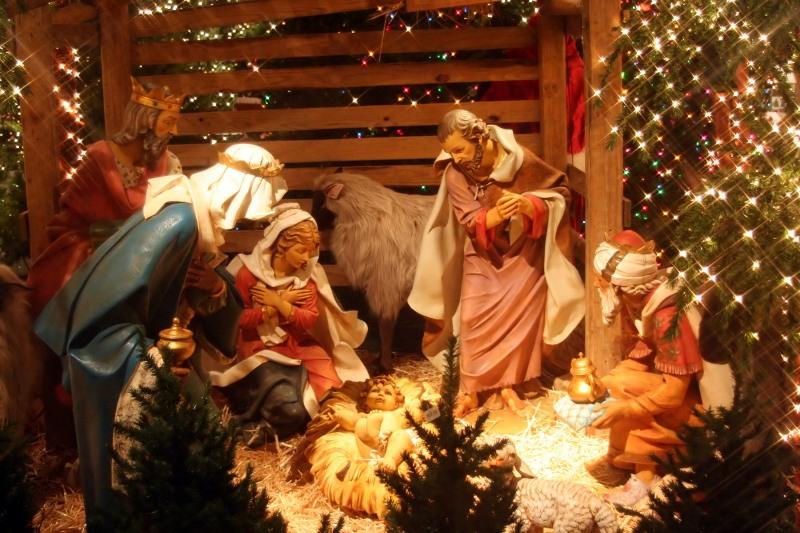 Katoliki-i-protestanty-vsego-mira-prazdnuyut-Rozhdestvo-Christmas