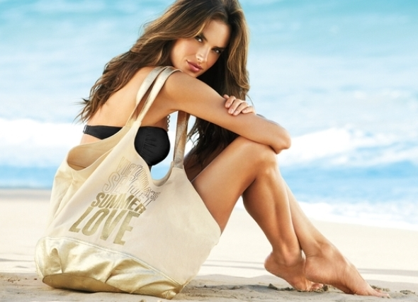 Пора на море! 6 вместительных пляжных сумок, без которых не обойтись в отпуске