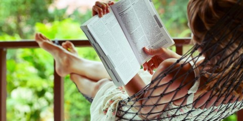 6928929-mood-girl-relax-book