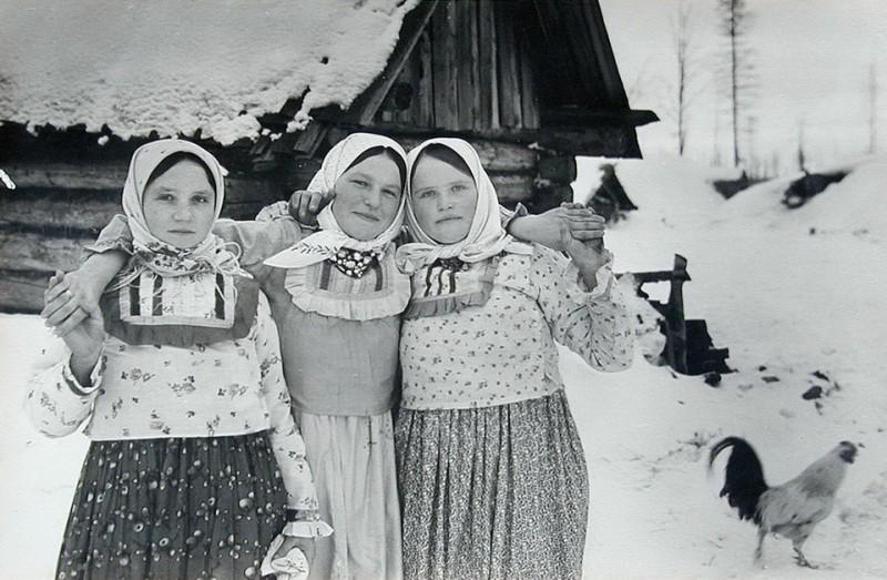 Наши девушки в русской деревне