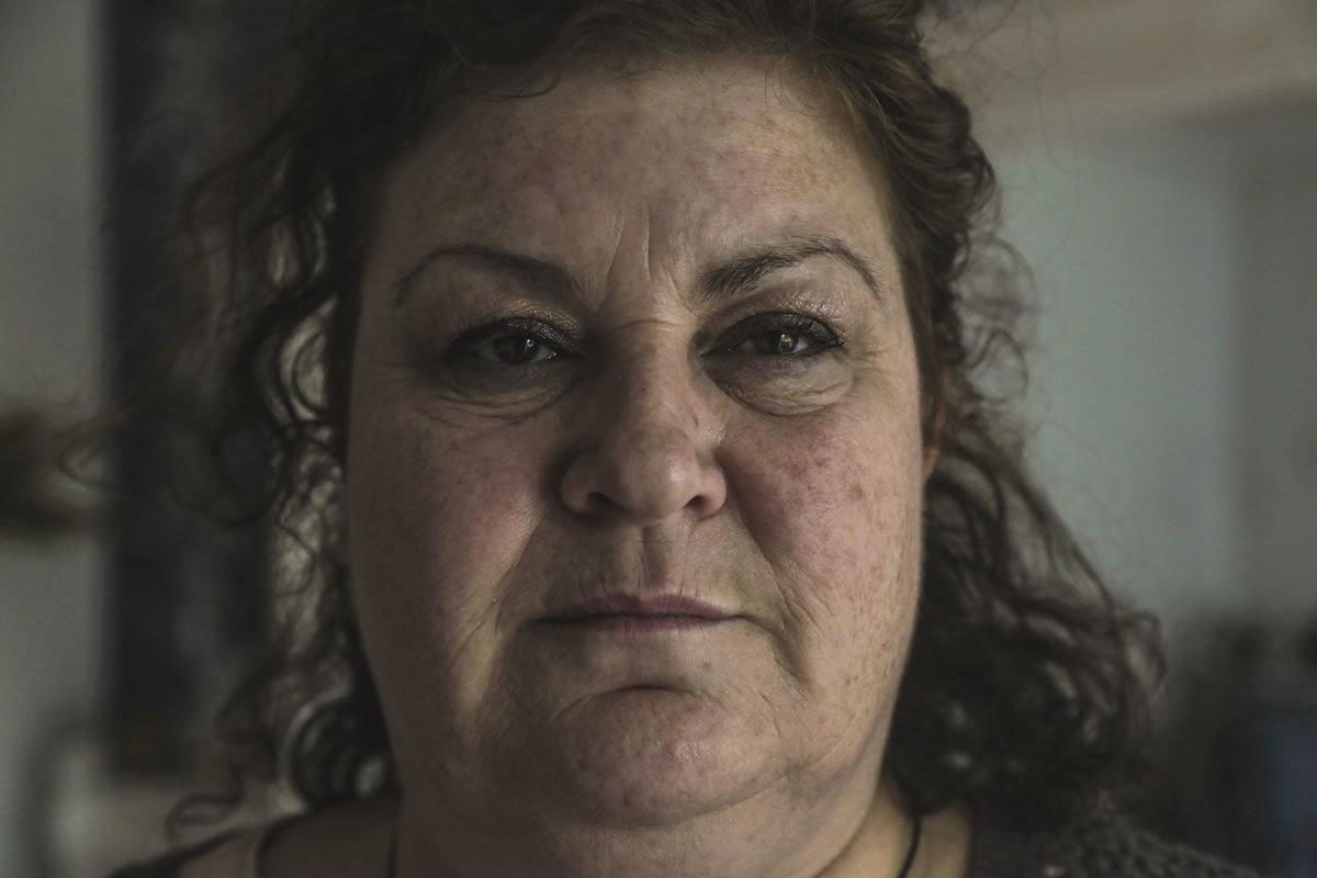 Русский сынок накормил маму и уговорил ее на секс 1 фотография