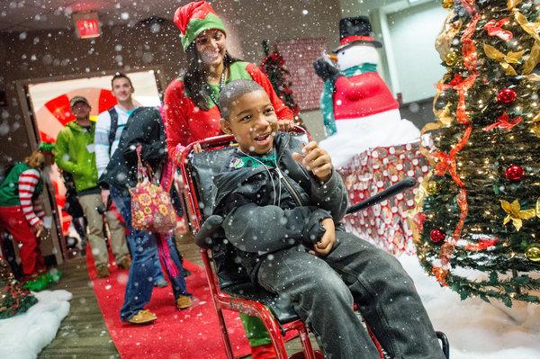 Больные раком дети из Атланты «слетали» к Санта-Клаусу на Северный полюс