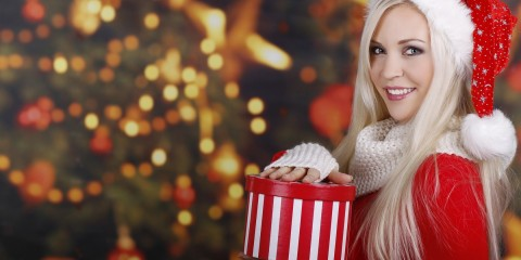 7012842-christmas-tree-santa-claus-blonde-girl-smile-gift-winter