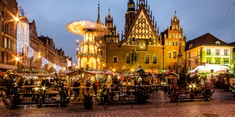 [UNVERIFIED CONTENT] Christmas Market - Weihnachtsmarkt - Jarmark Bozonarodzeniowy  Biggest Christmas Market in Poland. Located in Market Square, Old Town, Wroclaw, Poland.
