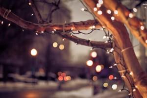 16443-christmas-lights-on-the-street-1920x1200-holiday-wallpaper