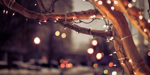 16443-christmas-lights-on-the-street-1920x1200-holiday-wallpaper