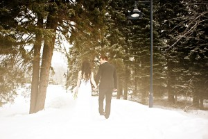 outdoor-winter-wedding-photography-snowy.original