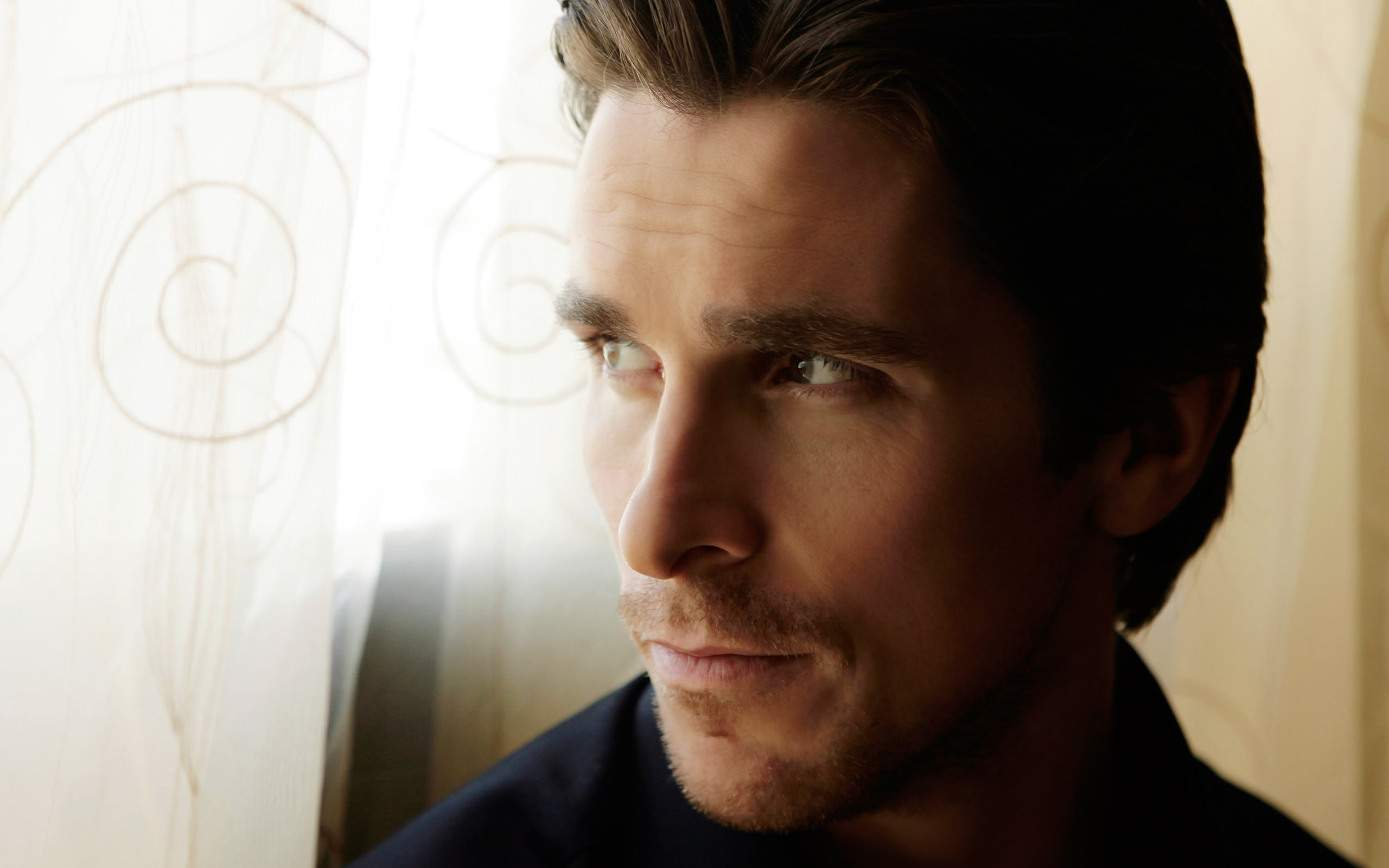 ws_Christian_Bale_Portret_2560x1600
