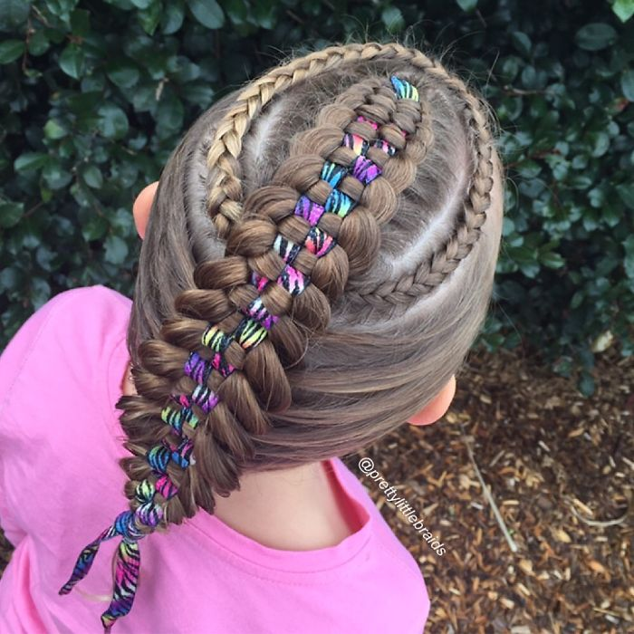 mom-braids-unbelievably-intricate-hairstyles-every-morning-before-school-13__700