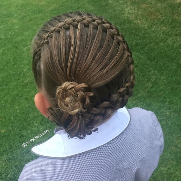 mom-braids-unbelievably-intricate-hairstyles-every-morning-before-school-15__700