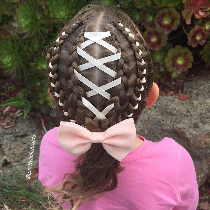 mom-braids-unbelievably-intricate-hairstyles-every-morning-before-school__700