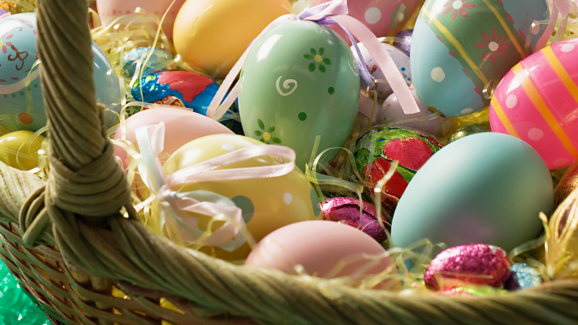 6873435-easter-screensavers