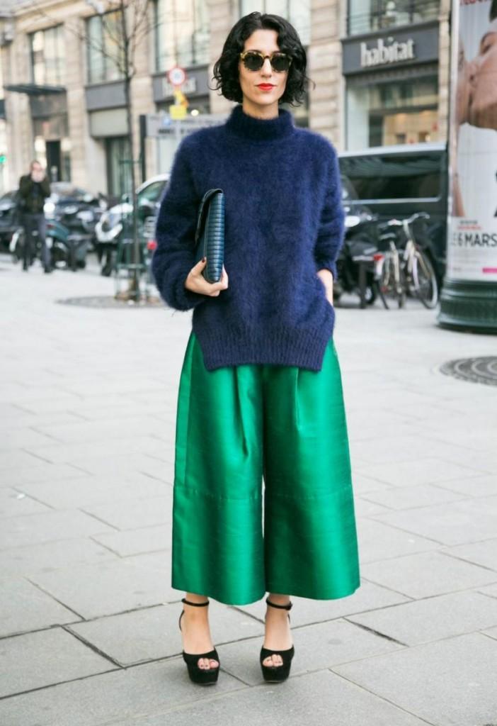 Яркие широкие зеленые брюки