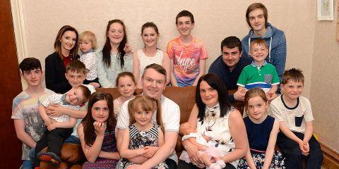В самой большой семье Великобритании родился 19-й ребенок