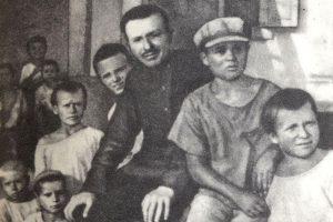 6 принципов, которым советский педагог Макаренко может научить современную маму