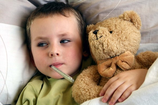 Чем и как лечить ОРВИ у ребенка
