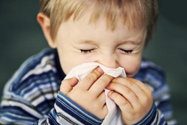 ОРВИ у ребенка: как не надо лечить