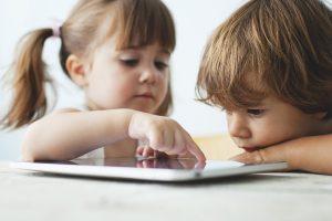 «Развивашки» на планшете: за или против?