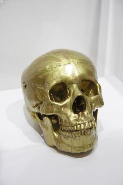 Демиен Херст. Могущественная славная небесная золотая голова. 2011 г.