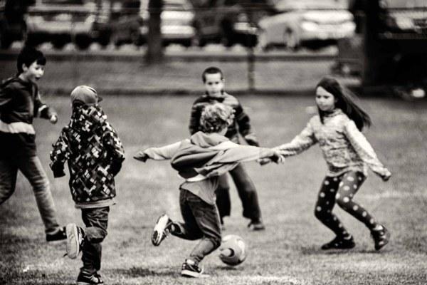 Позвольте детям играть как можно больше