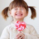 Дети и сладкое: как ограничить сахар в рационе ребенка