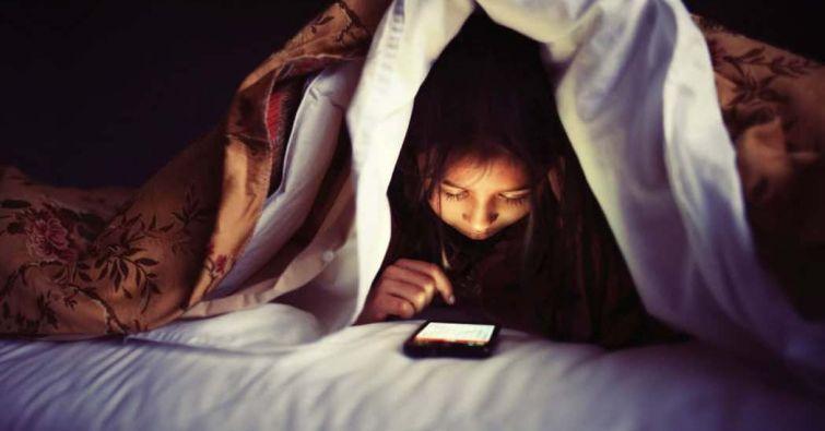 Почему нам плохо спится: как гаджеты связаны с качеством сна