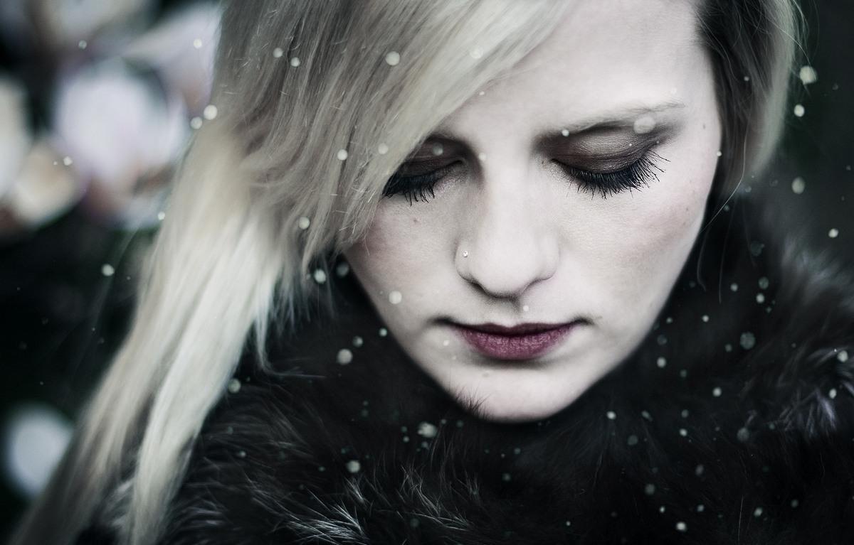 И тошно, и грустно: уныние перед Новым годом
