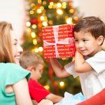 Подарок чужому ребенку: топ-9 сомнительных идей