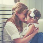 Как успокоить ребенка (и заодно себя): 50 простых техник