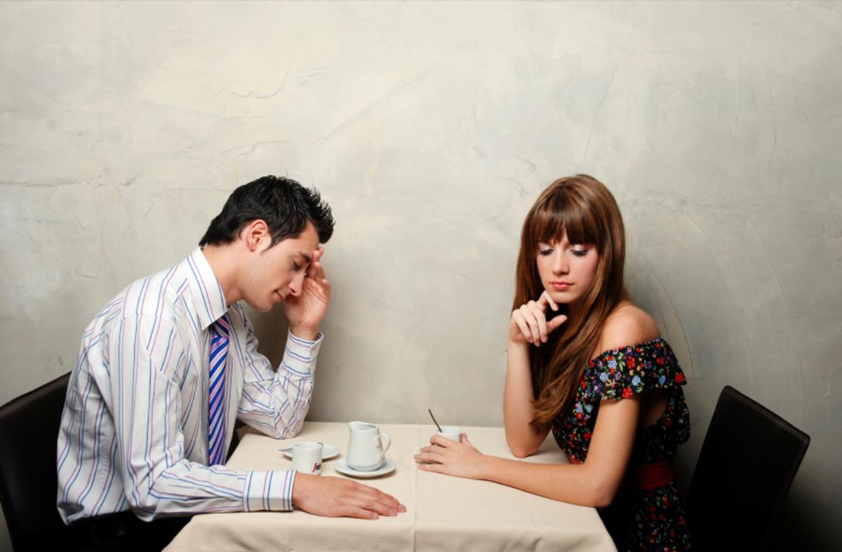 Почему мужчина знакомит с бывшей подругой