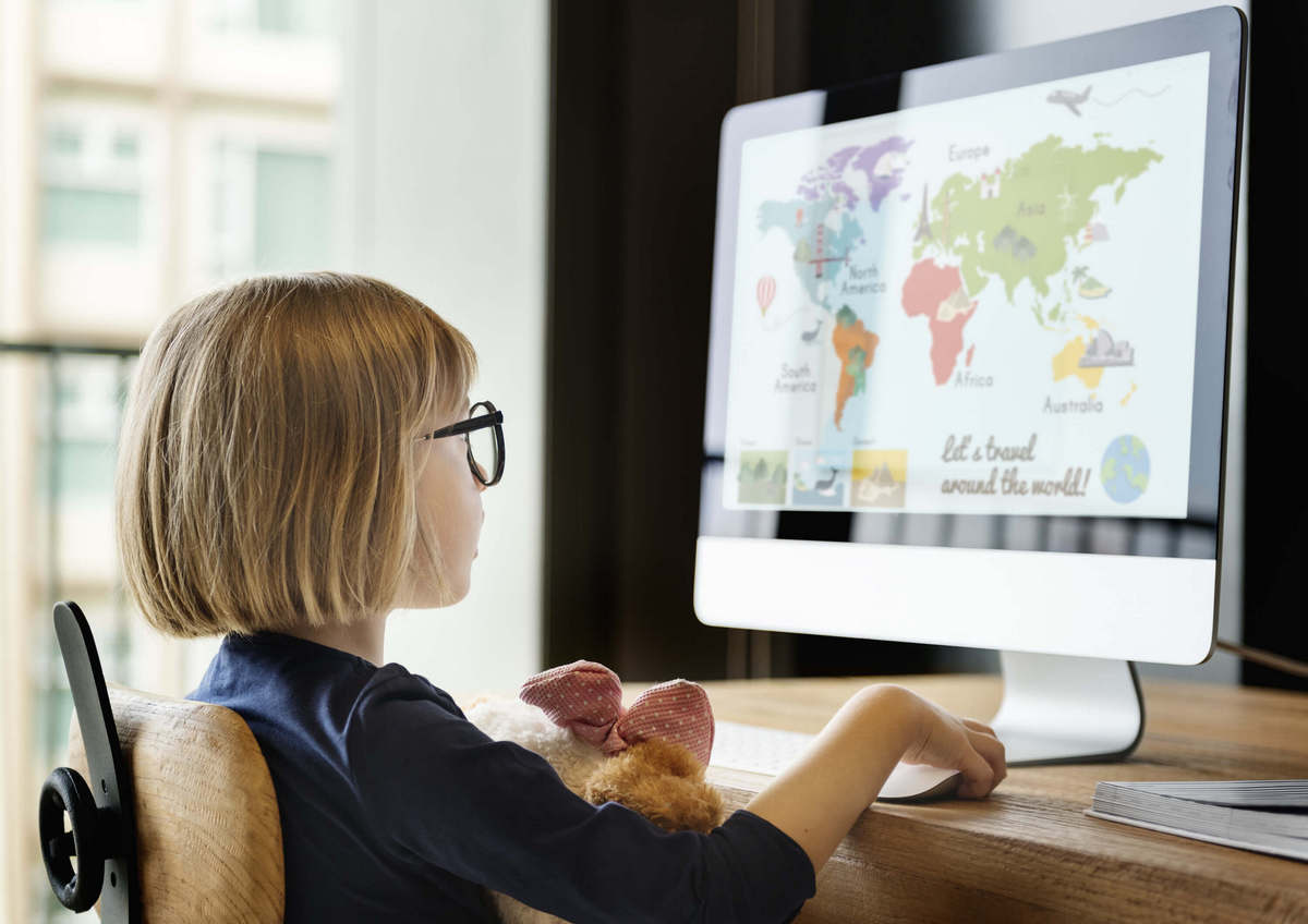 13 образовательных каналов на Youtube, которые увлекут школьника