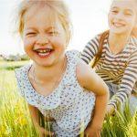 Лето без гаджетов: 50 «скрин-фри» занятий для детей