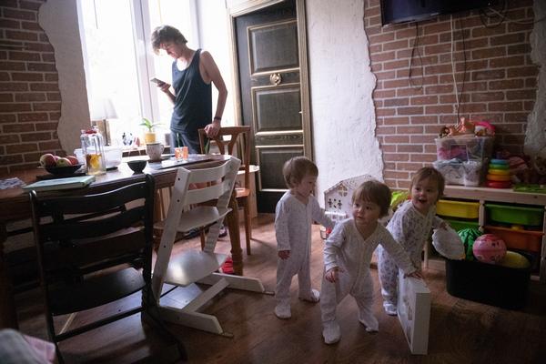Записки мамы тройни: честный рассказ о том, как проходит мой день