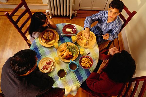 37 семейных традиций, которые учат ответственности, доброте и эмпатии