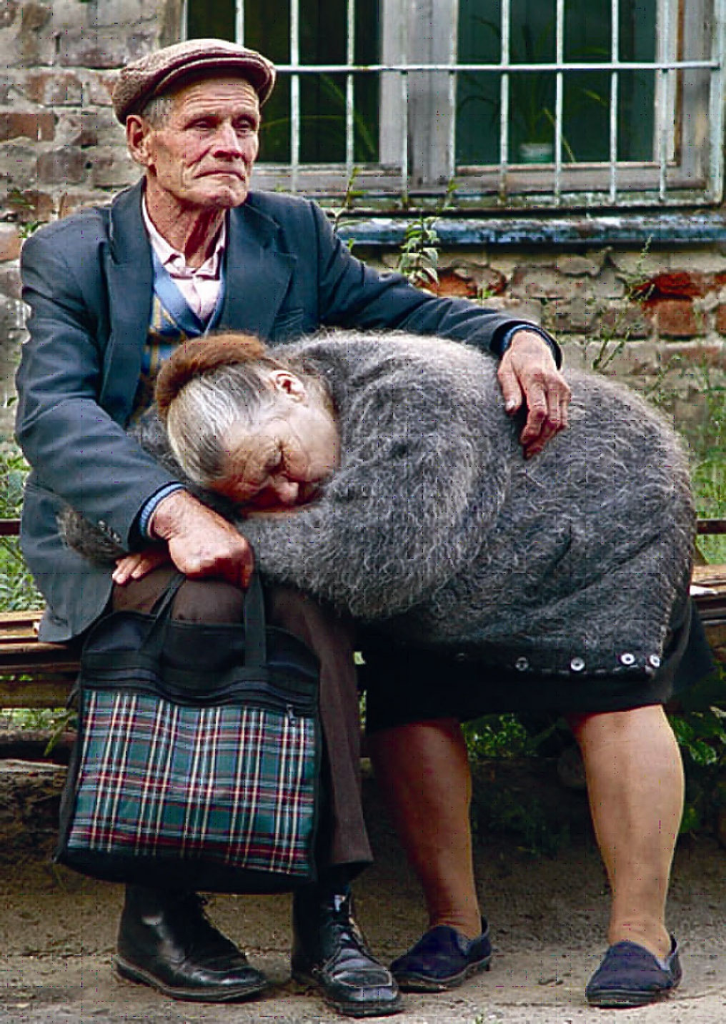 Старики любят молодых 7 фотография