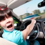 10 типичных ошибок женщин-водителей