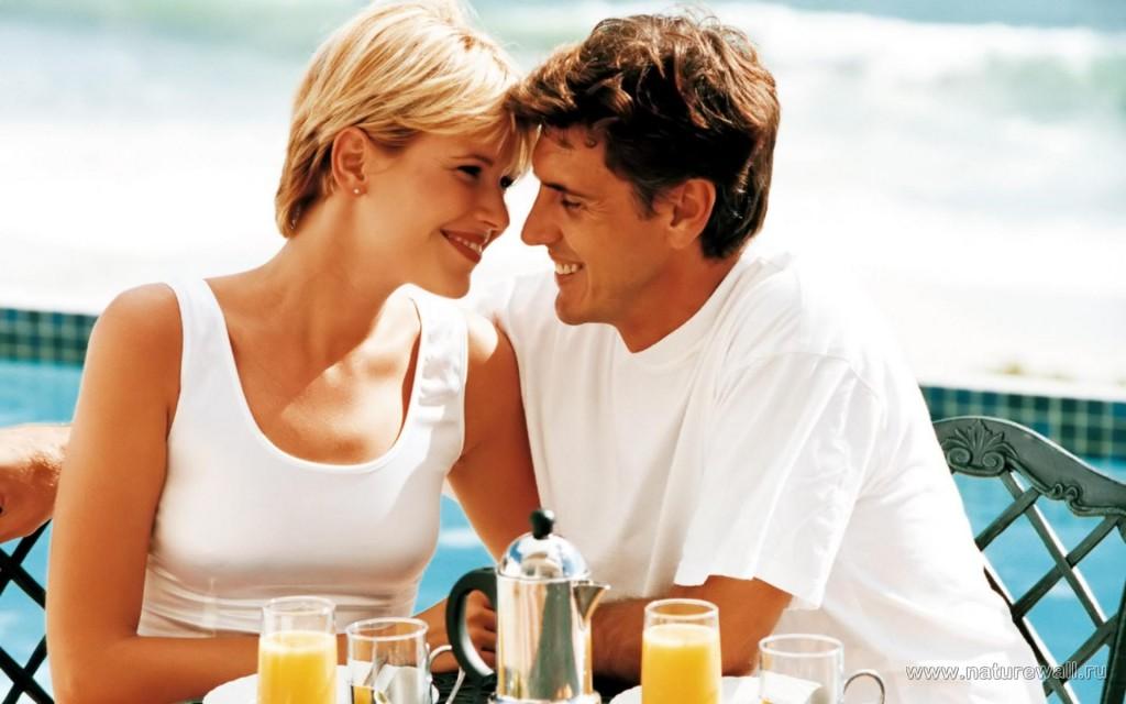 Женщины в возрасте и парни любовь видео фото 380-287