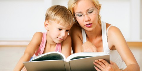 76878633_4121583_66562261_mom_son_reading