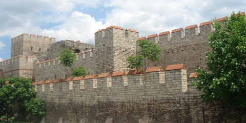 800px-Walls_of_Constantinople