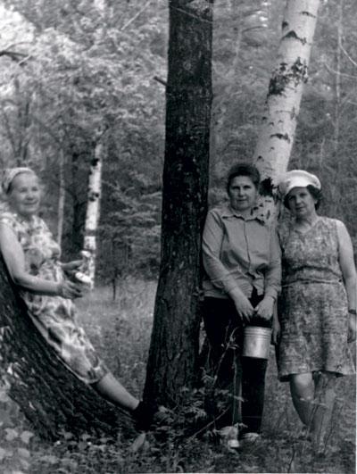 С сёстрами Зиной и Машей